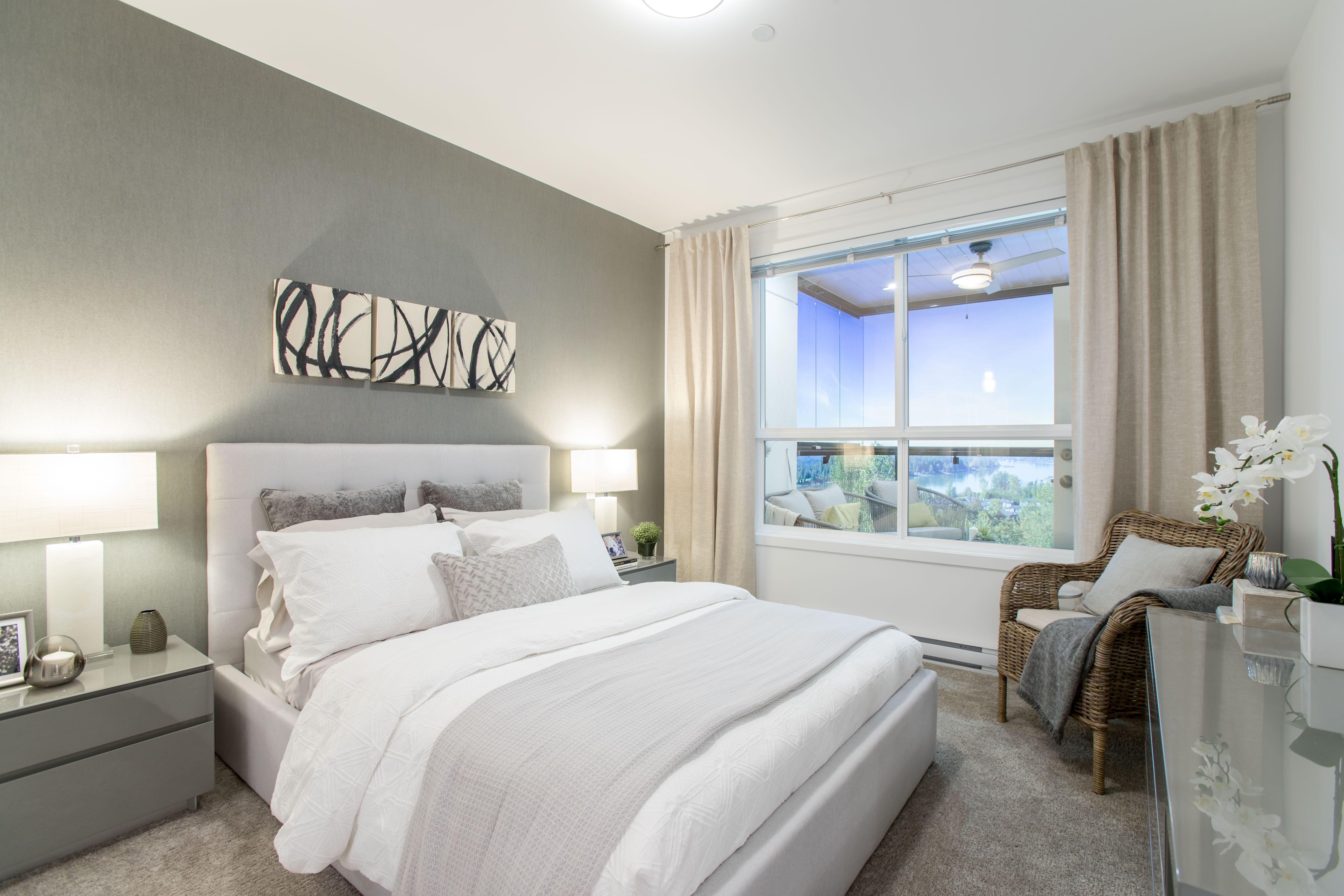 https://mk0highpointeaf8ie02.kinstacdn.com/wp-content/uploads/2019/08/Model-Home-bedroom-A45I9976.jpg